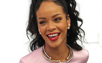 Rihanna desvela el secreto de sus labios en un tutorial