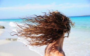 5 peinados para pelo largo y rizado