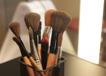 Trucos de maquillaje para disimular la cara cansada