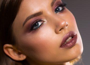 Cómo hacer un fijador de maquillaje en casa